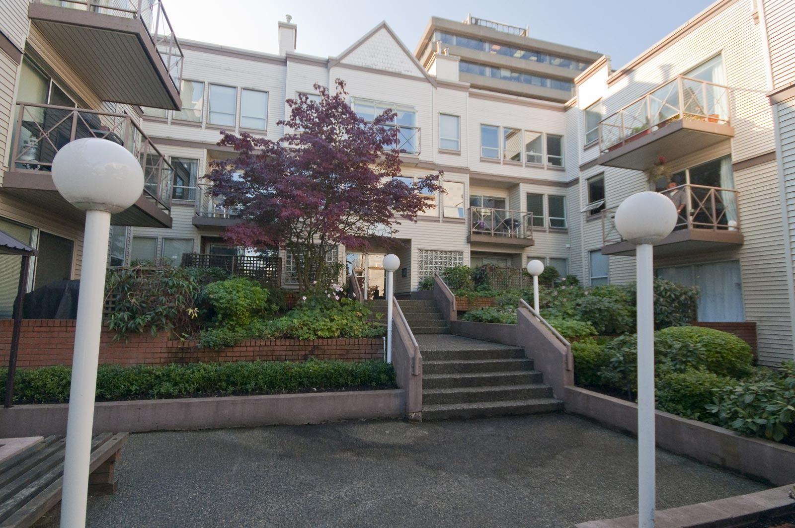 110 910 West 8th Avenue, Vancouver West, BC